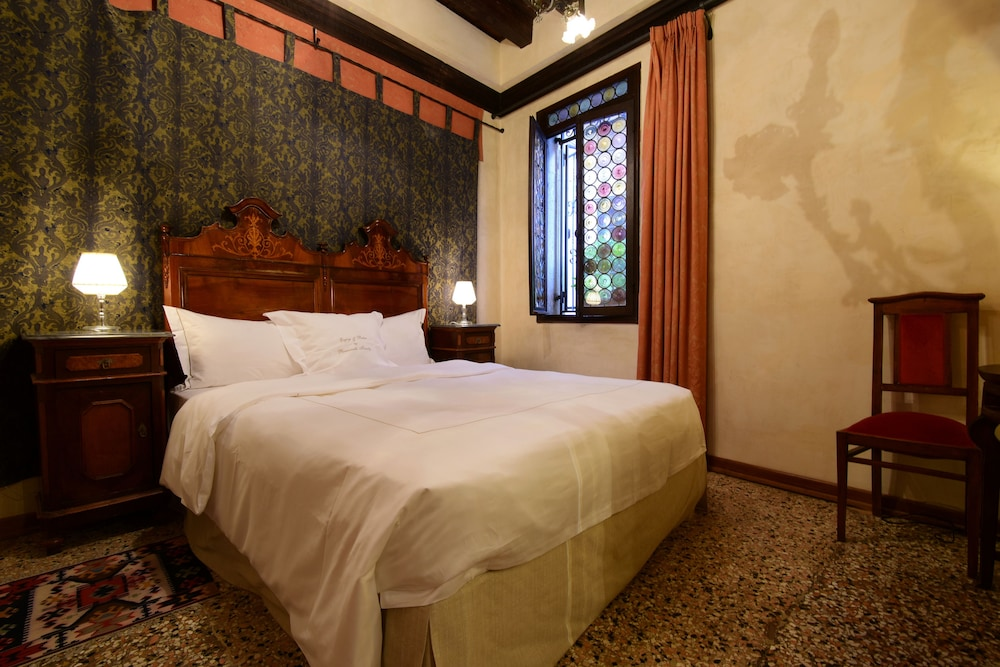 Novecento boutique hotel in venice hotel rates reviews for Boutique hotel venezia