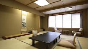 In-room safe, desk, wheelchair access