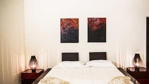 Hochwertige Bettwaren, Zimmersafe, individuell eingerichtet