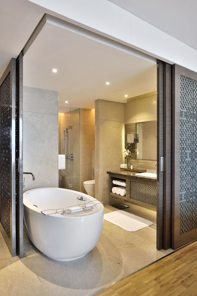 Bathroom, JW Marriott Mumbai Sahar