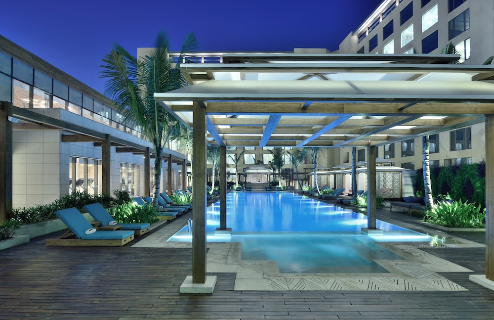 Outdoor Pool, JW Marriott Mumbai Sahar