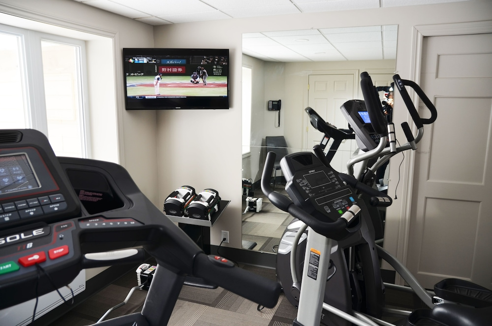 Sports Facility, Danny's Hotel Suites, SureStay Collection by Best Western