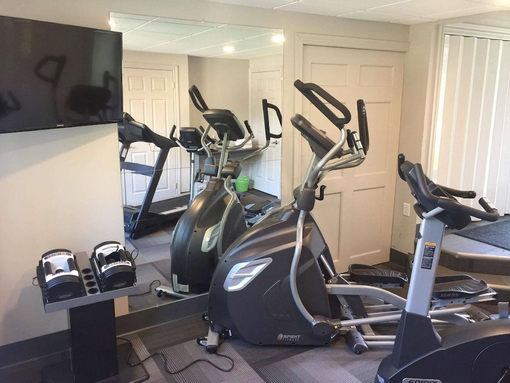 Fitness Facility, Danny's Hotel Suites, SureStay Collection by Best Western