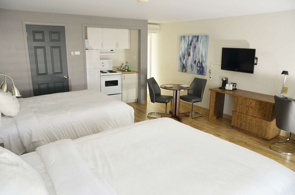 Room, Danny's Hotel Suites, SureStay Collection by Best Western