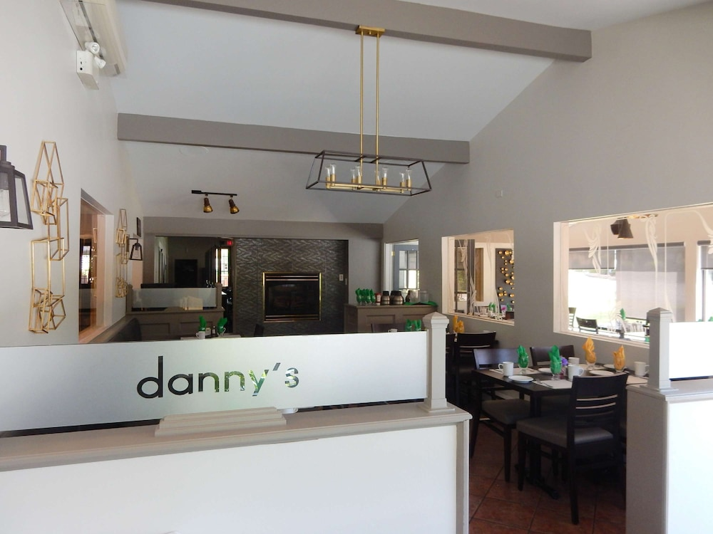 Restaurant, Danny's Hotel Suites, SureStay Collection by Best Western