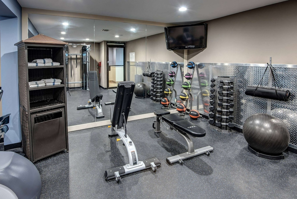 Fitness Facility, Days Hotel by Wyndham Toms River Jersey Shore