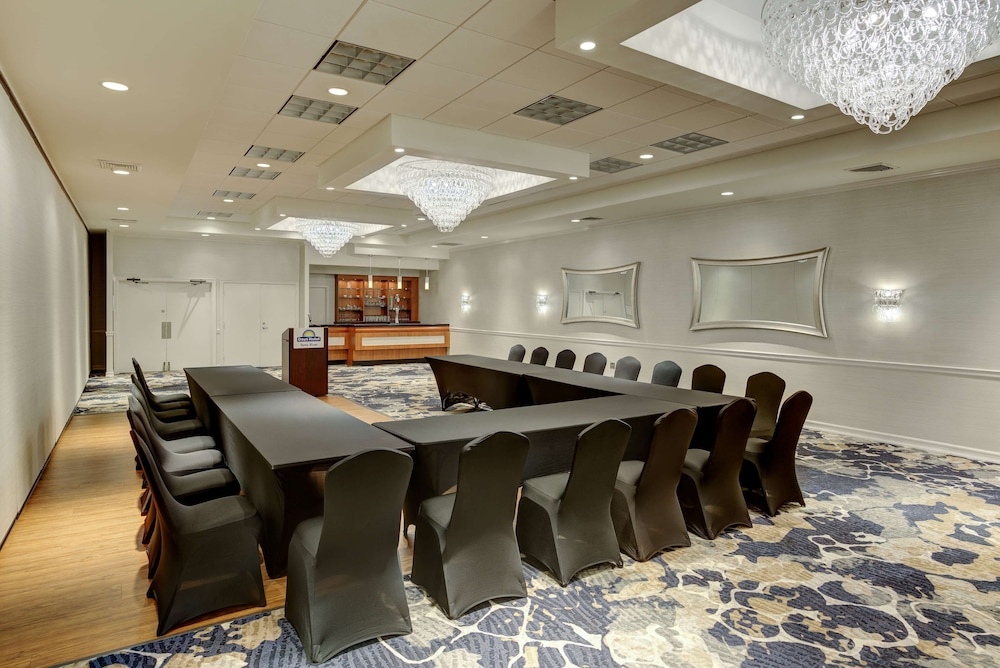 Meeting Facility, Days Hotel by Wyndham Toms River Jersey Shore