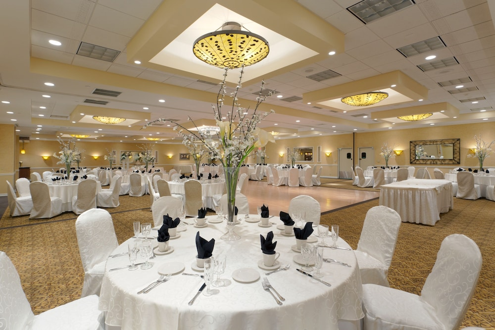 Banquet Hall, Days Hotel by Wyndham Toms River Jersey Shore