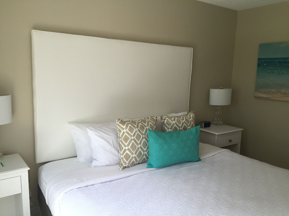 brighton suites hotel in rehoboth beach hotel rates. Black Bedroom Furniture Sets. Home Design Ideas