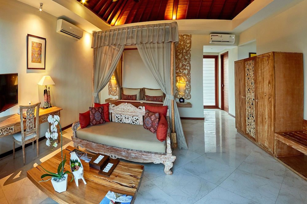 Room, The Royal Purnama