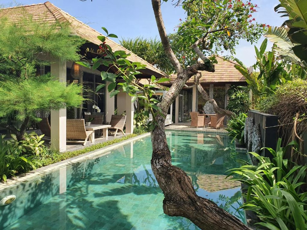 Private Pool, The Royal Purnama