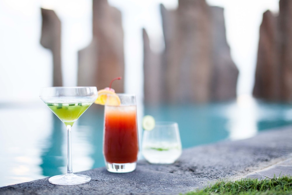 Poolside Bar, The Royal Purnama