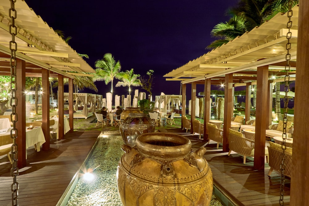 Outdoor Dining, The Royal Purnama