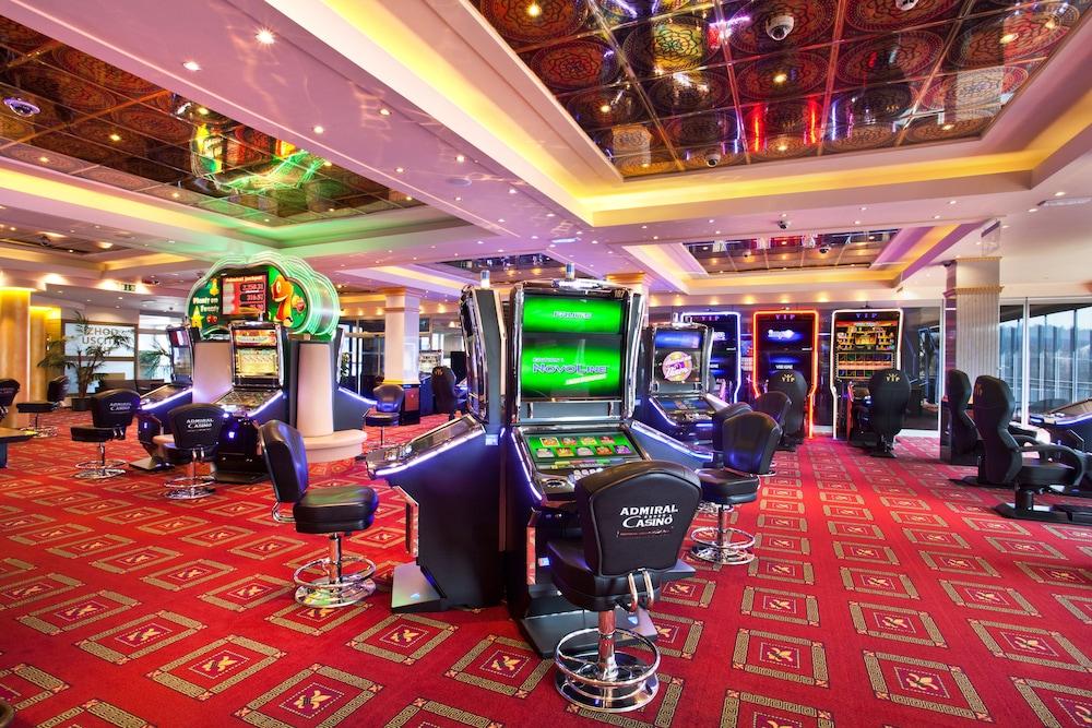 Вход и регистрация в игровом клубе Адмирал X с выводом денег