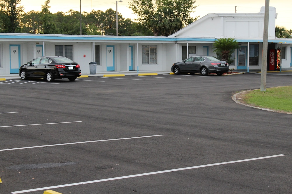 Front of Property, Royal Inn Motel