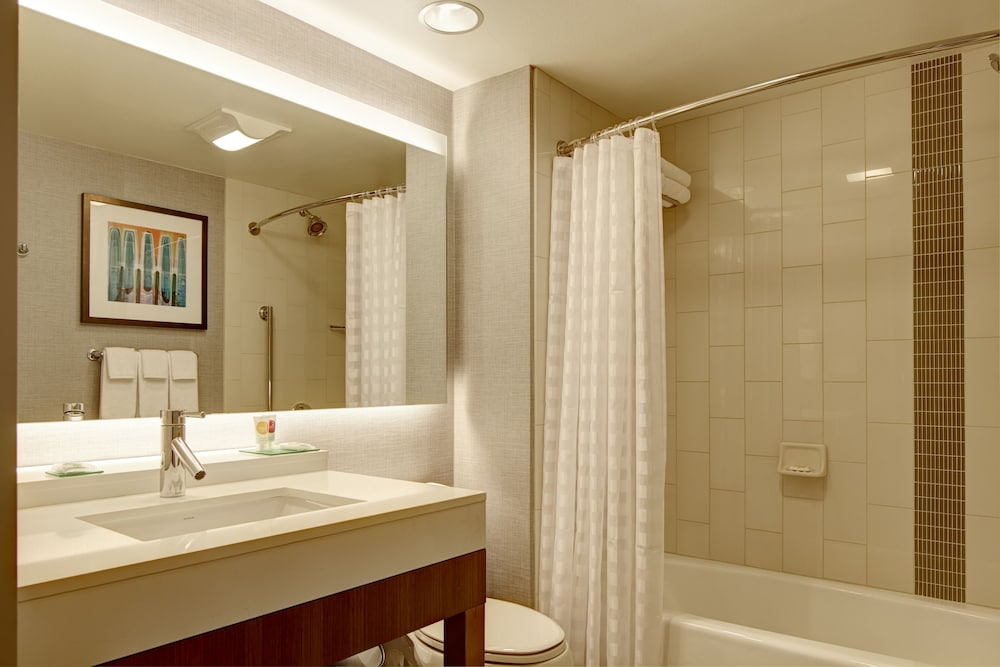 Bathroom, Hyatt Place Lansing - East
