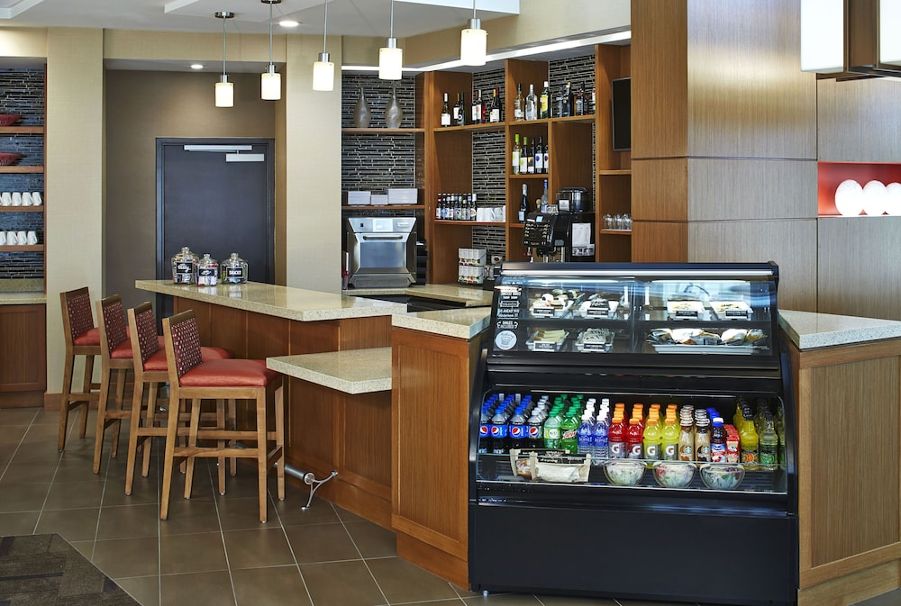 Bar, Hyatt Place Lansing - East