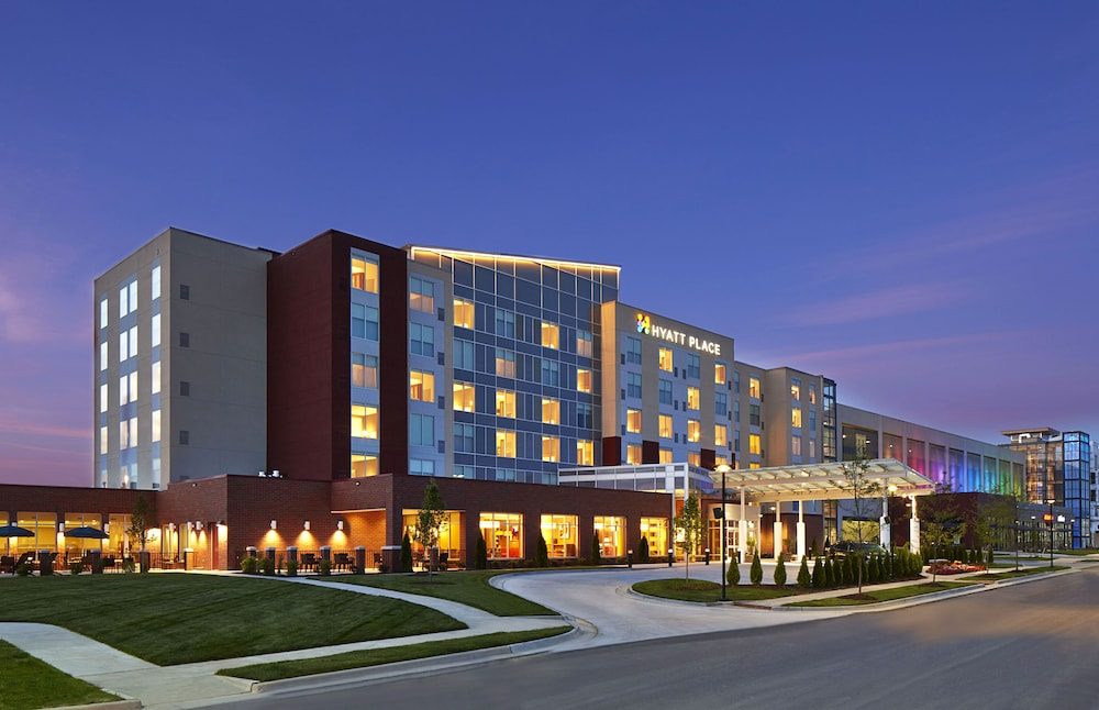 Front of Property, Hyatt Place Lansing - East