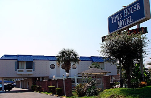 Great Place to stay Town House Airport Motel near San Antonio