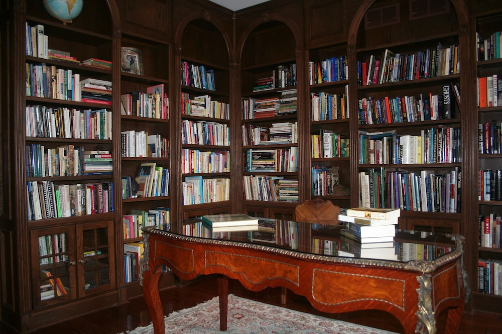 Library, The Swope Manor Bed & Breakfast