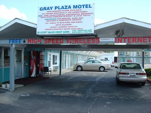 Great Place to stay Gray Plaza Motel near Benton