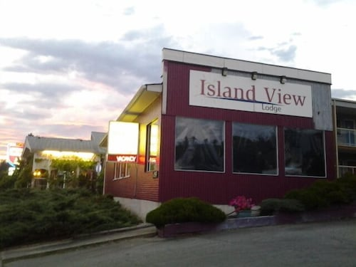 Front of Property, Island View Lodge