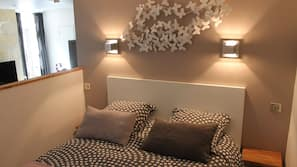 1 개의 침실, 고급 침구, 미니바, 각각 다르게 꾸며진