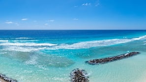Beach nearby, white sand, snorkeling