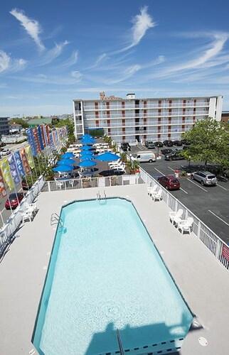 book the spinnaker ocean city hotel deals. Black Bedroom Furniture Sets. Home Design Ideas