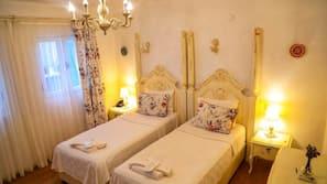 Premium bedding, in-room safe, desk, cribs/infant beds