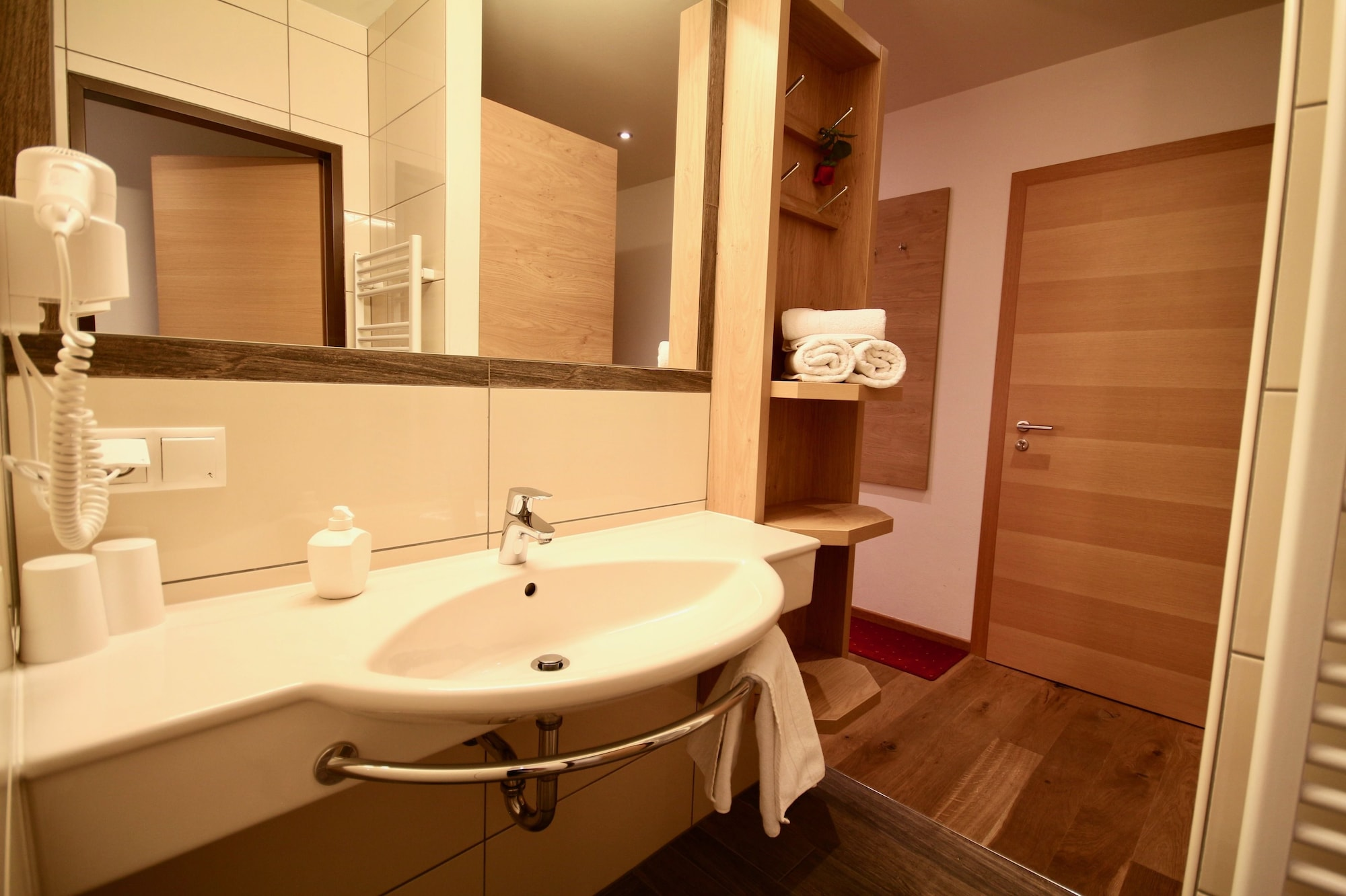 Suite, 2 Bedrooms Vario (partially with Balcony)