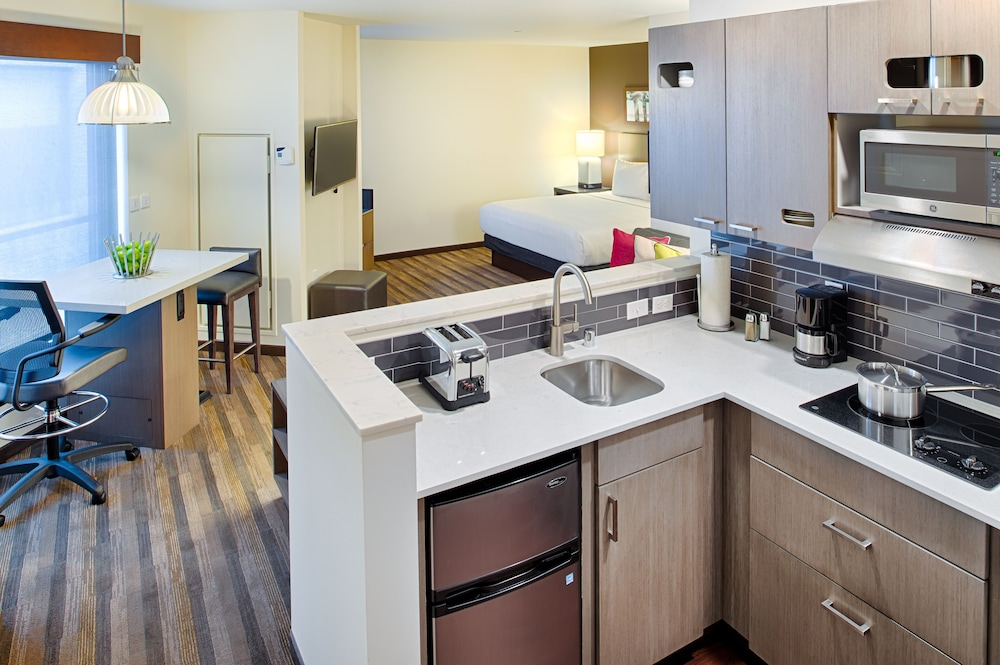 Private Kitchenette, Hyatt House Seattle/Downtown