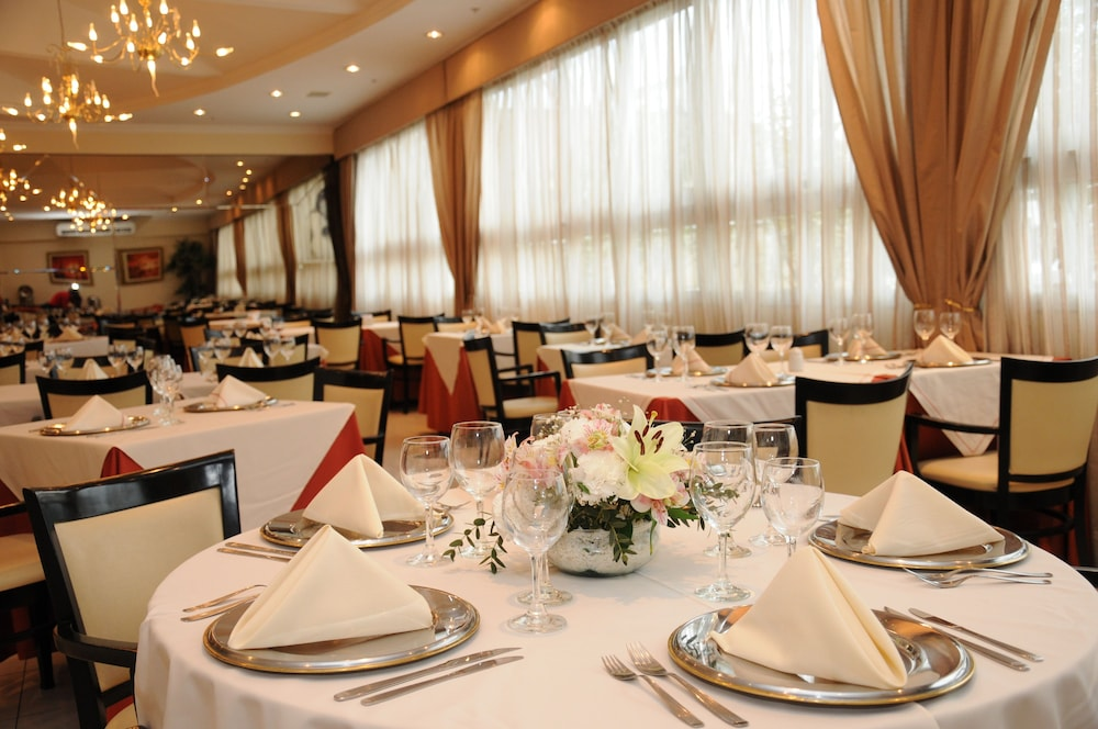 Banquet Hall, InterTower Hotel
