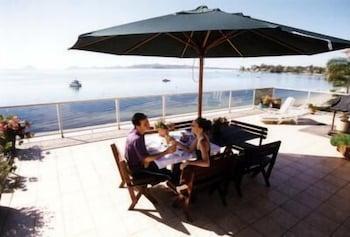 The Mitchells Waterfront Bed & Breakfast Soldiers Point, AUS - Best