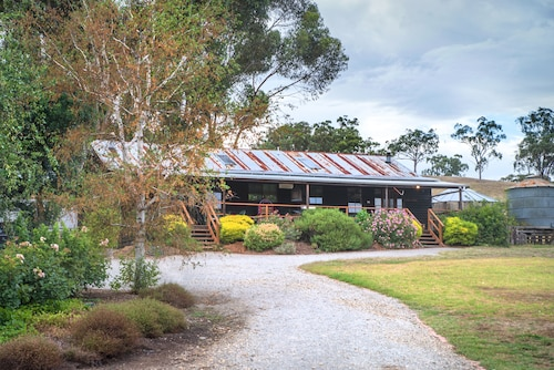 Mittagong Homestead & Cottages