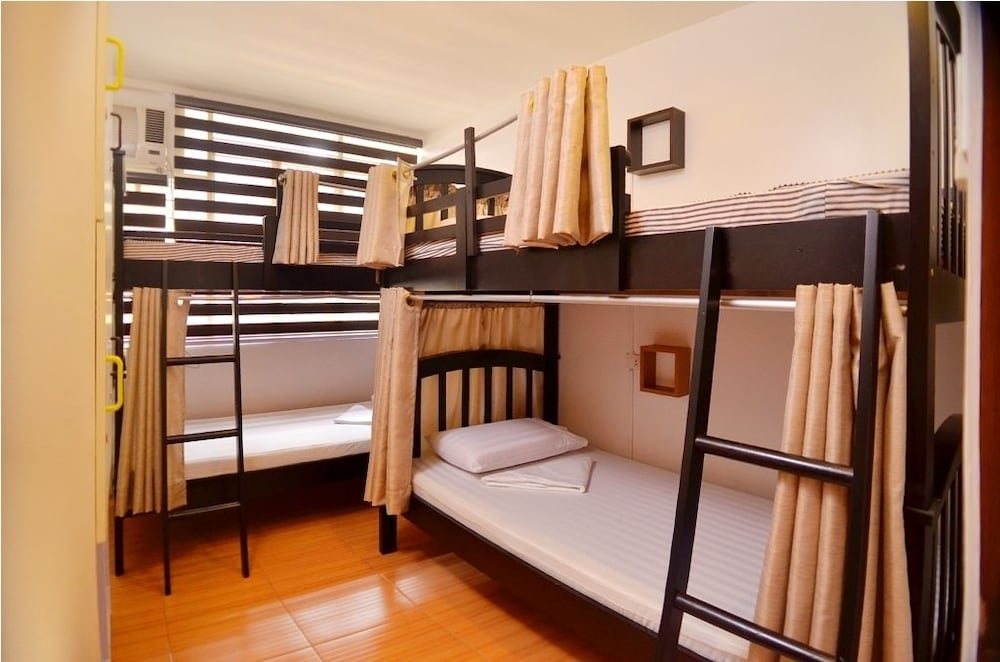 Book hilik boutique hostel makati hotel deals for Boutique hostel
