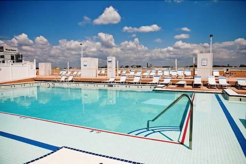 Book sky city apartments at liberty view 1 jersey city hotel deals - The sky pool a deluxe adventure ...