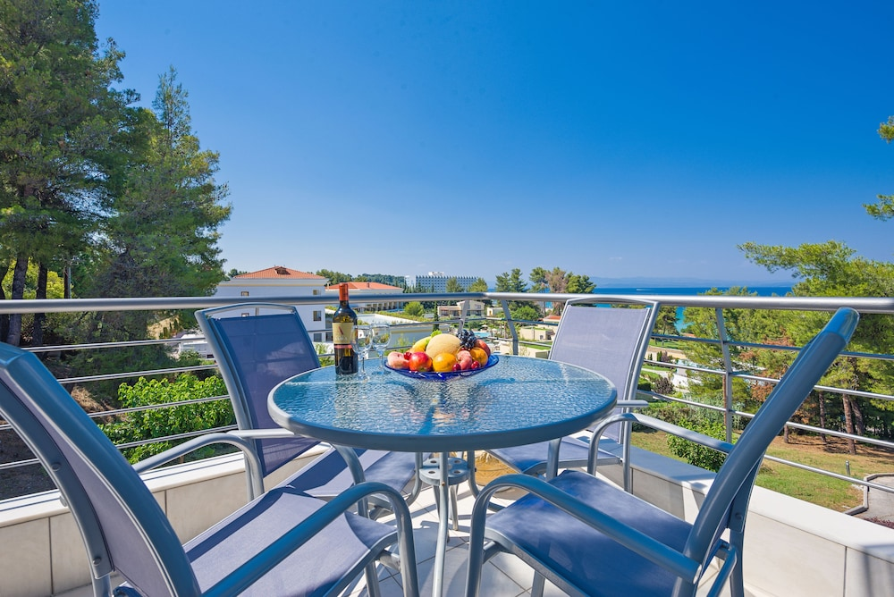 Balcony, Villas F & B Summer Collection - Aegean Residence