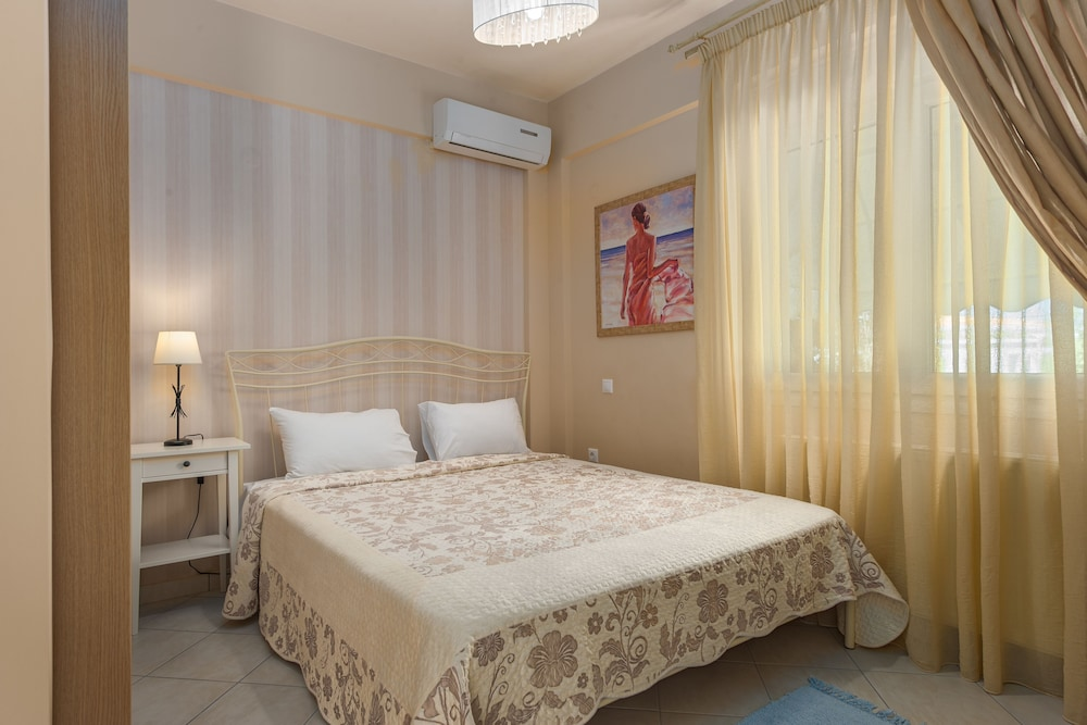 Room, Villas F & B Summer Collection - Aegean Residence