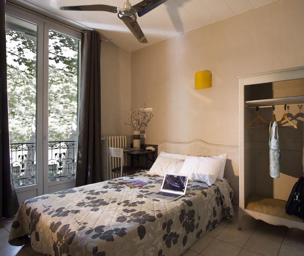 le strasbourg in montpellier hotel rates reviews on orbitz. Black Bedroom Furniture Sets. Home Design Ideas