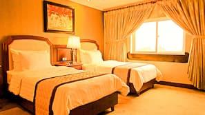 1 多间卧室、高档床上用品、迷你吧、客房内保险箱
