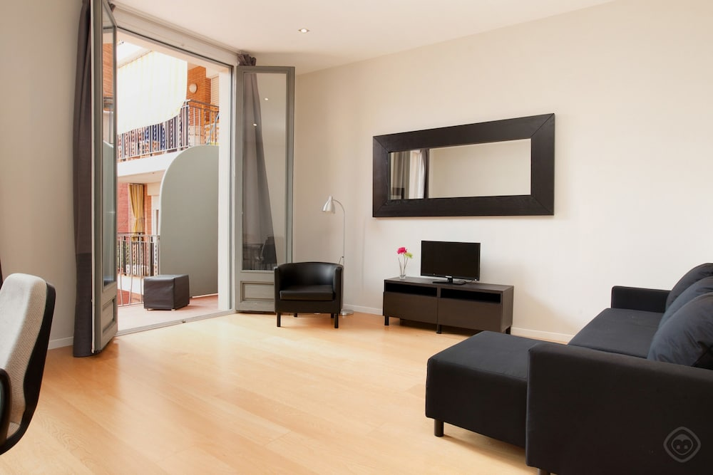 Fußboden Modern English ~ Modern center apartments barcelona u hotel prices expedia
