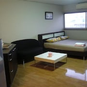 DMK Donmueang Airport Guesthouse