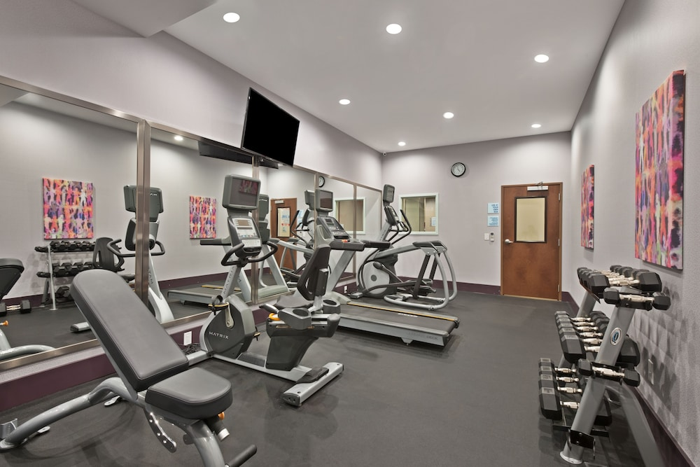 Fitness Facility, Holiday Inn Express & Suites New Cumberland, an IHG Hotel