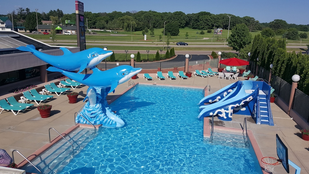 Grand Marquis Waterpark Hotel & Suites: 2019 Room Prices $80, Deals & Reviews | Expedia