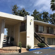 Vista Pines Motel