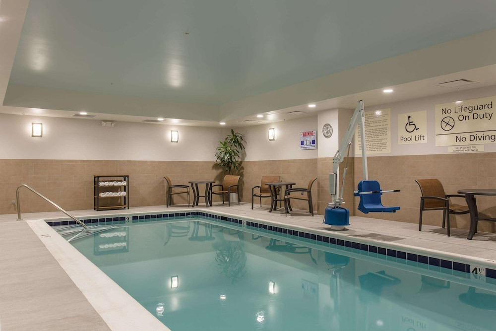 Pool, Hampton Inn & Suites Knoxville Papermill Drive