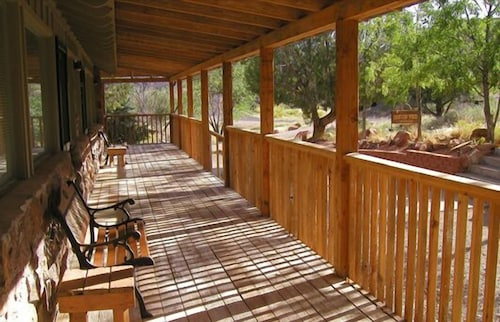 Porch, Canyon Vista Lodge