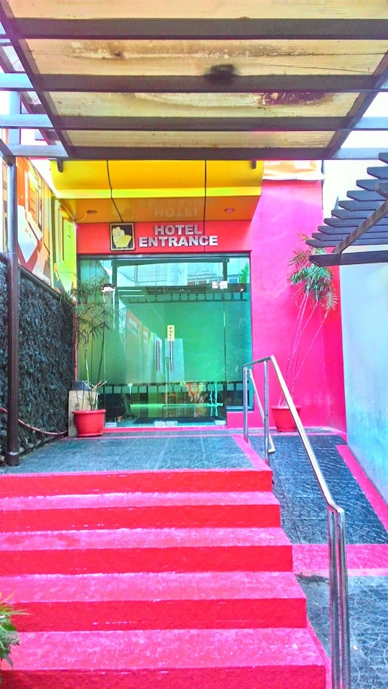 Property Entrance, Hotel Sogo Sta Mesa