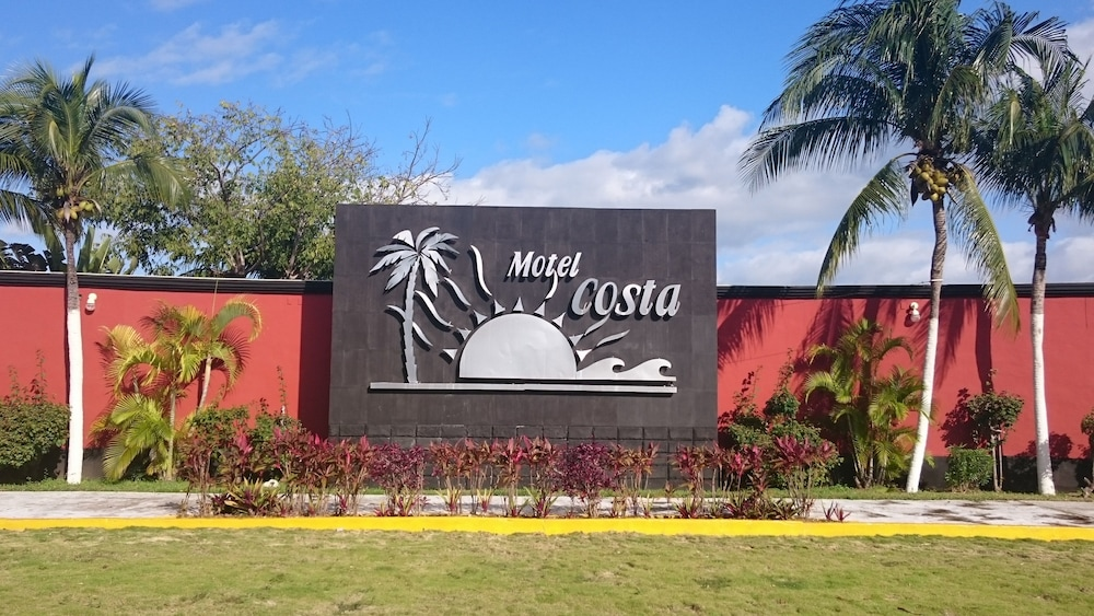 Front of Property, Motel Costa